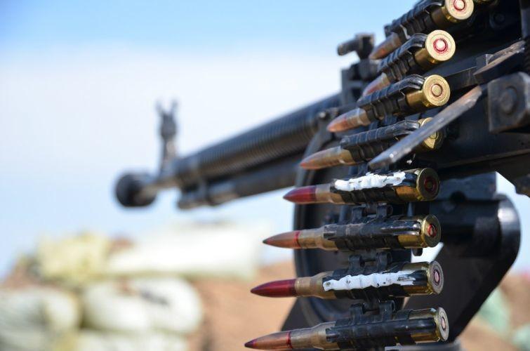 Боевики уменьшили количество обстрелов, но избивали изтанка