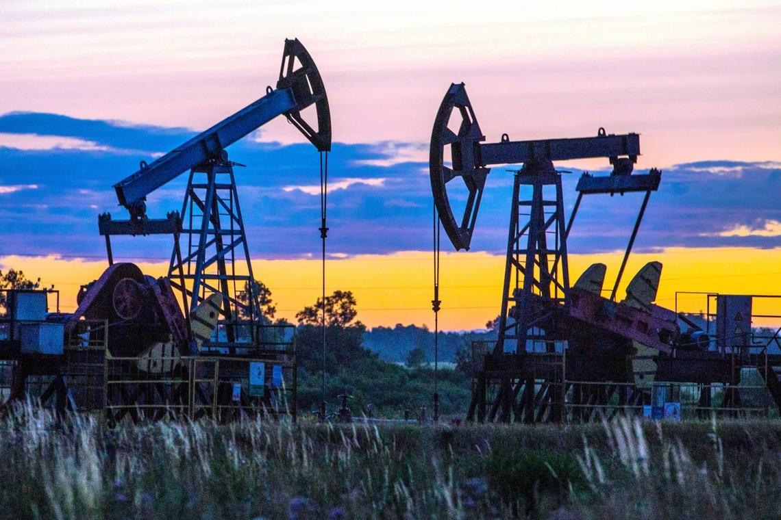 Нафту — фірмам, проблеми — громадам