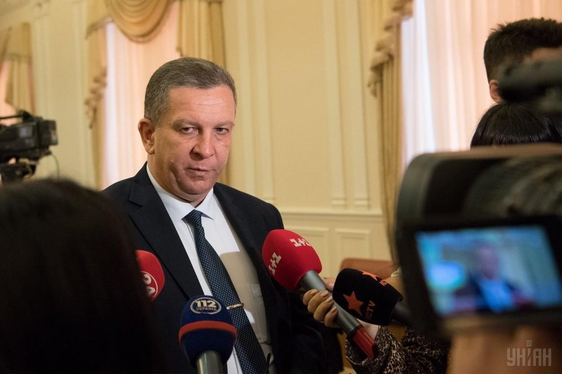 В Верховной Раде продолжится работа по убеждению депутатов проголосовать за закон о спецконфискации, так как средства, полученные в результате, пойдут на нужды армии.