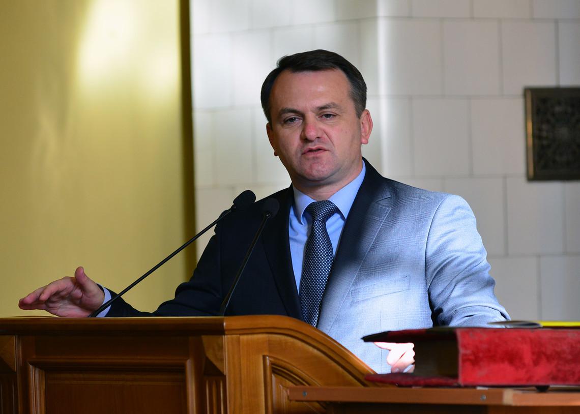 Глава Львовской облгосадминистрации Олег Синютка провалил очередное собственное обещание, которое касалось ремонта региональной дороги.