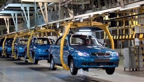 Украинские заводы выпустили загод менее 5 тыс. легковых авто