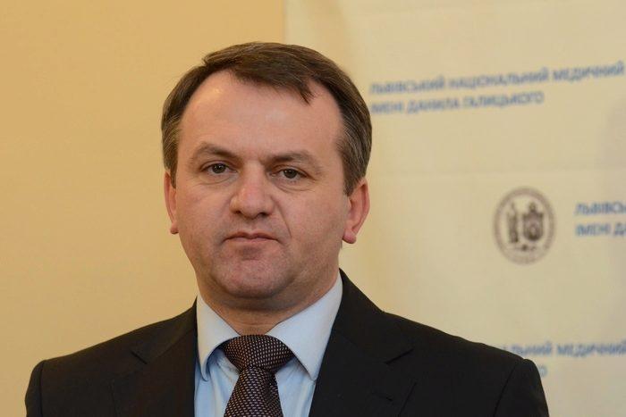 Глава Львовской ОГА не справился с обещанием обеспечить школы региона школьными автобусами.