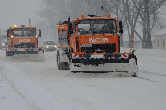 Снова введено ограничение движения фургонов — Снегопад вКиеве