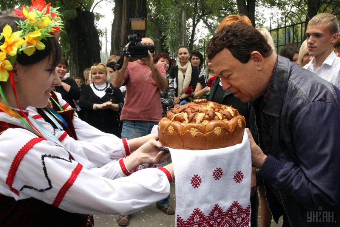 В государственной думе посоветовали направить на«Евровидение» Кобзона ихор Александрова