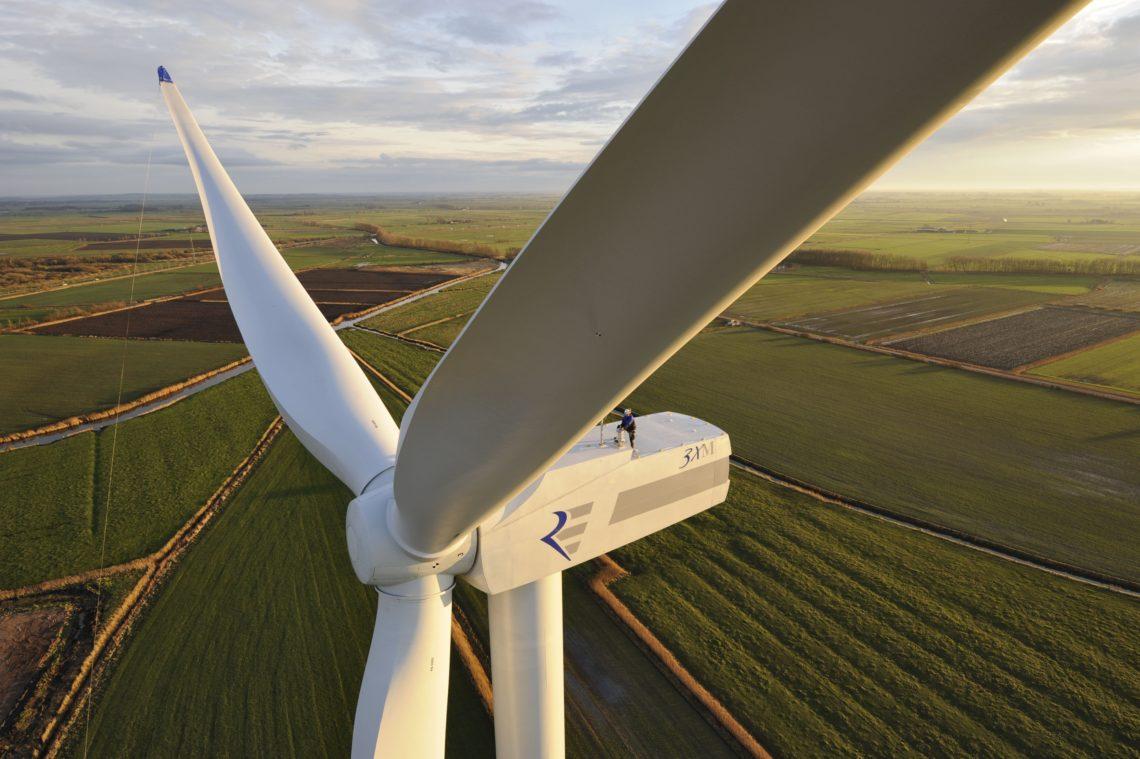Кировоградский электромеханический завод планируют реанимировать под производство турбин и другого оборудования для ветростанций украинской разработки.