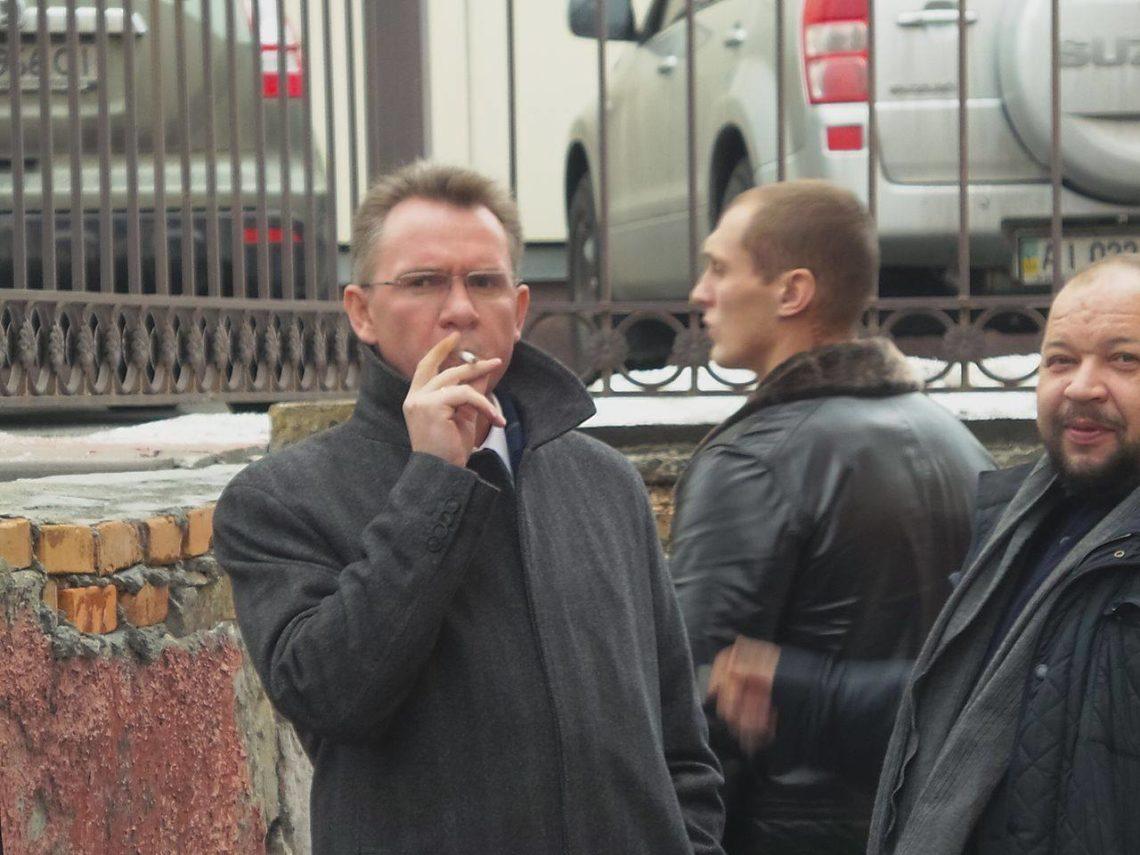 НАБУ: Охендовский лично расписывался вамбарной книжке Януковича