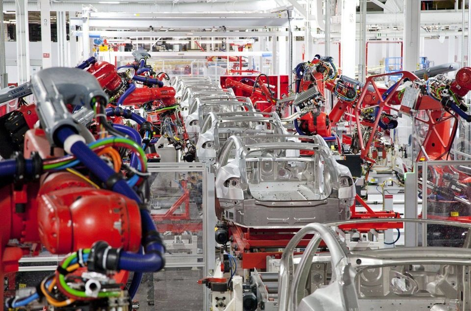 Гройсман желает реализовывать проекты Tesla вУкраинском государстве