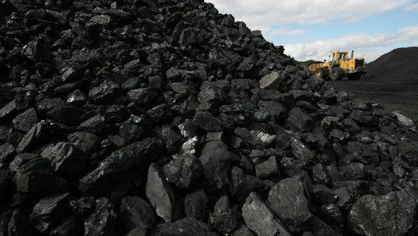 Порошенко готов конфисковывать уголь из РФ