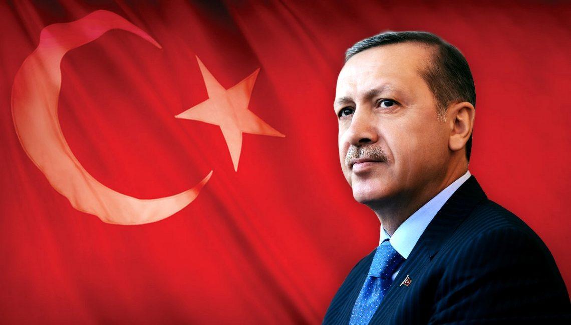 Жители Турции выступают заусиление власти президента