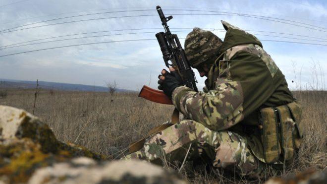 Двое украинских бойцов погибли, пытаясь спасти своего раненого товарища в районе Светлодарской дуги: от ранений он также погиб.