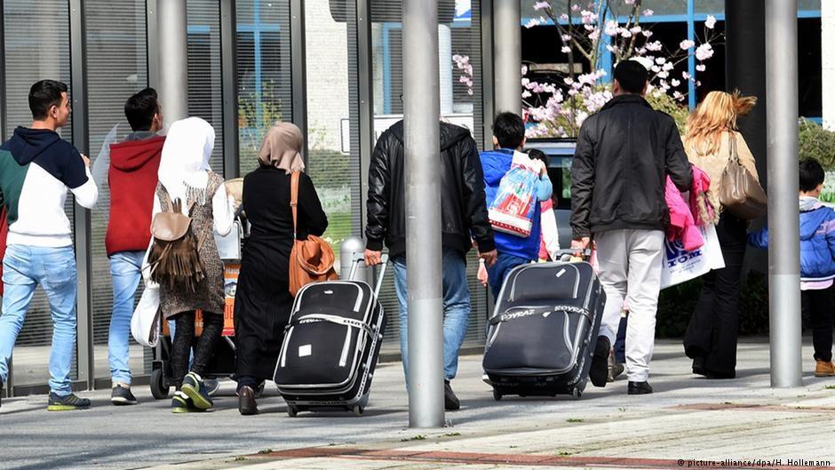 ВГермании убежище попросили около 450 госслужащих Турции