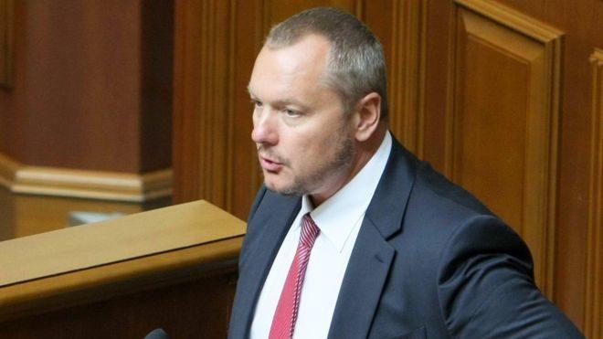 ЦИК: Лишенный гражданства народный депутат Артеменко может посещать совещания Рады