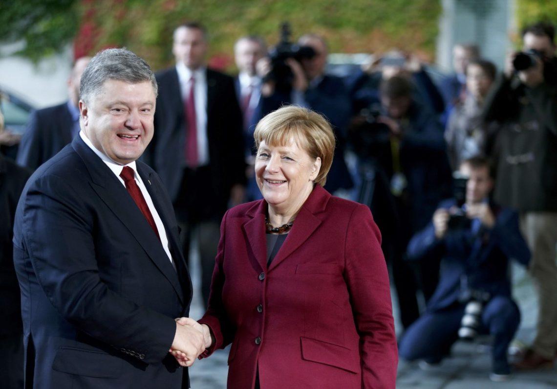 Порошенко собирается вБерлин напереговоры сМеркель
