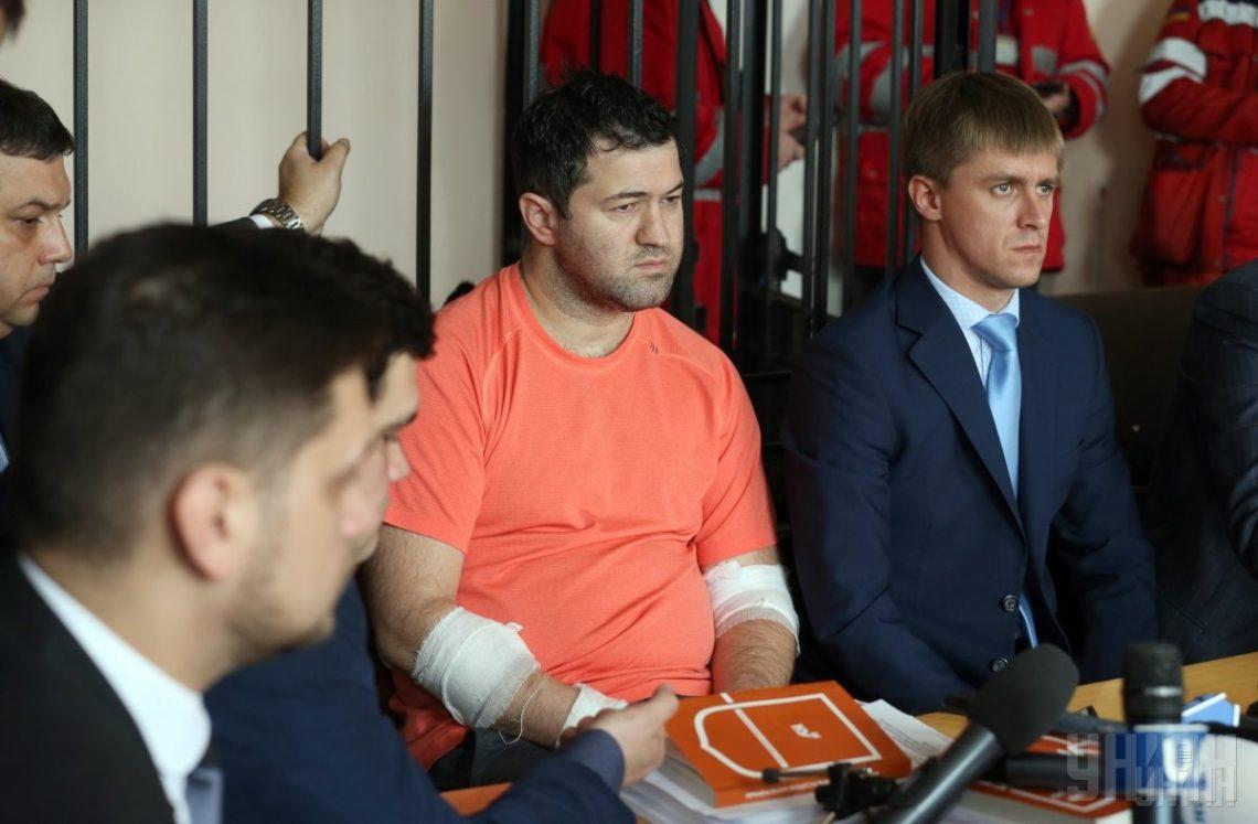 Народный депутат просит Порошенко отнять Насирова украинского гражданства