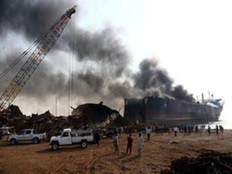 При взрывах впорту Колумбии погибли шесть человек