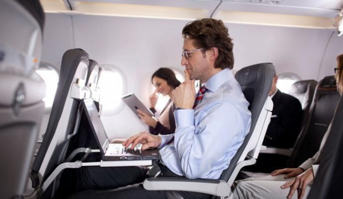 США вирішили незабороняти ноутбуки нарейсах зкраїн Європи