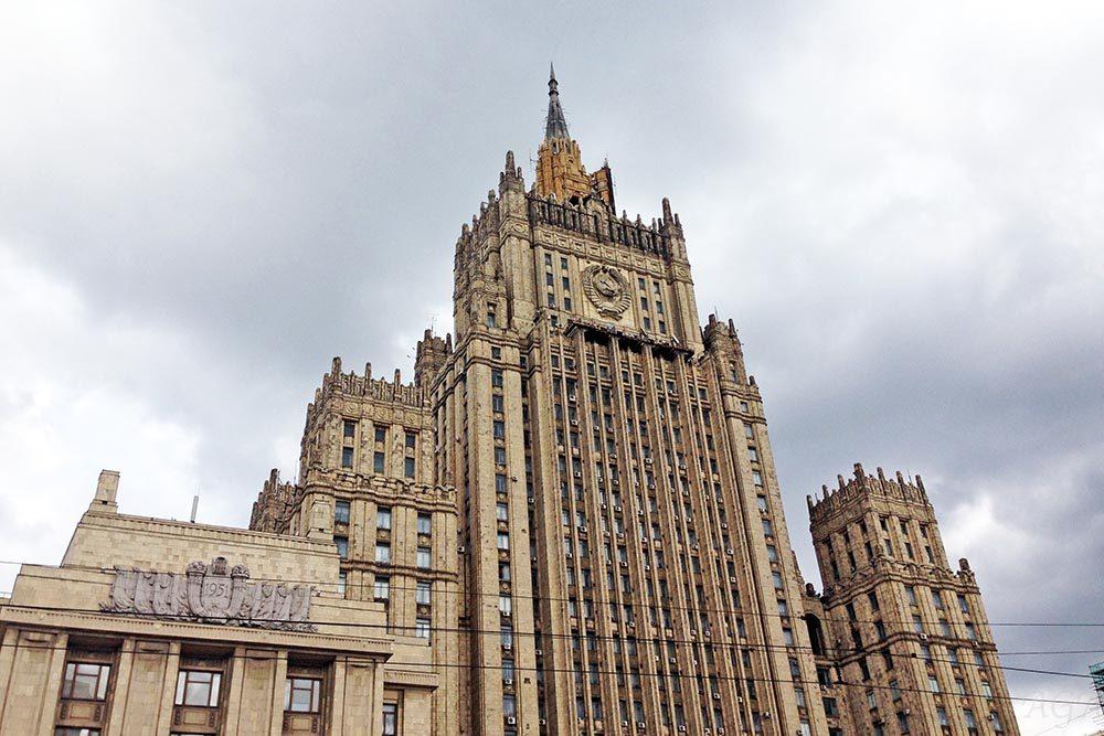 Захарова: ключом к согласию кризиса вУкраинском государстве является исполненье Минских договоров