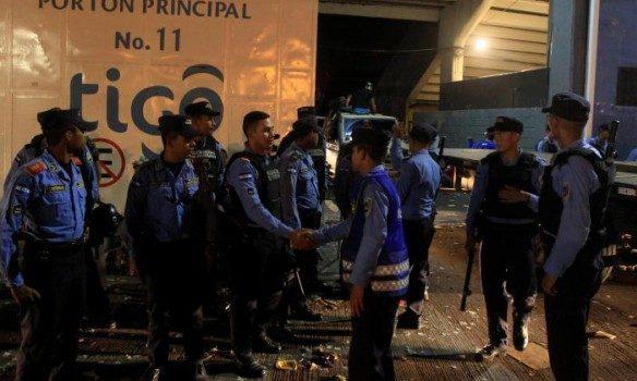 Напереповненому стадіоні вГондурасі сталася тиснява. Багато загиблих