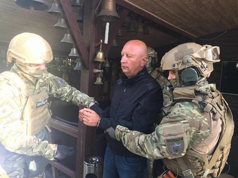 Экс-губернатор Луганщины Александр Антипов невнес залог и ожидает арест