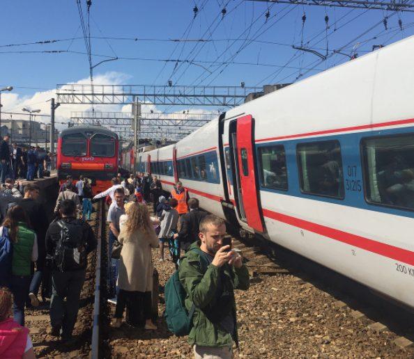 Два електропоїзди зіткнулися в районі Курського вокзалу в Москві. Є інформація про трьох постраждалих