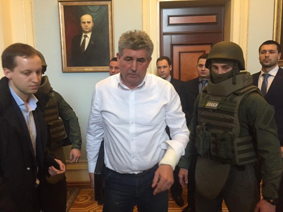 САП: Суд продлил домашний арест «судье-стрелку» А.Бурану