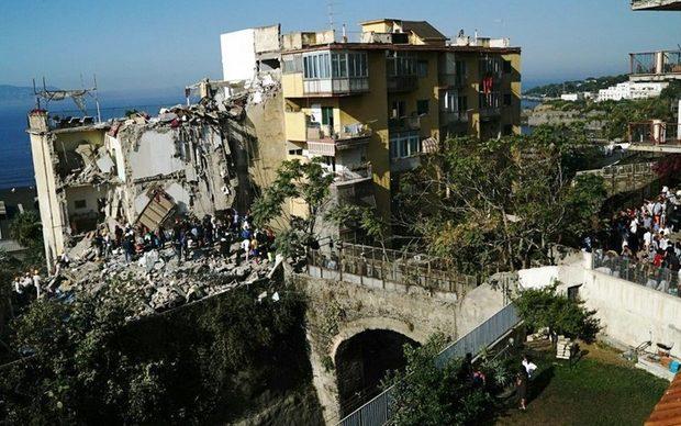 В Італії обвалився п'ятиповерховий житловий будинок. Опубліковані фото