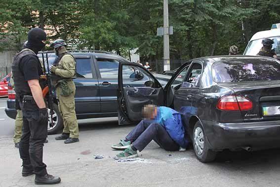 Вооруженные злоумышленники напали наювелирный вВиннице, есть раненый