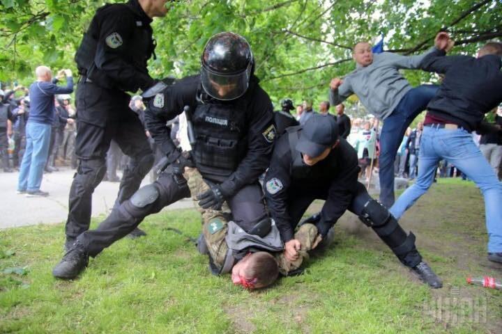 Правоохранители задержали еще одного участника столкновений и нападения на ветеранов АТО в Днепре 9 мая