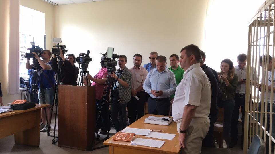Сотрудники антикоррупционных правоохранительных органов обратились в суд с просьбой отстранить директора ЛБТЗ.