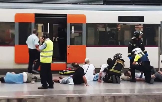 Близько 50 осіб постраждали внаслідок аварії назалізниці вБарселоні