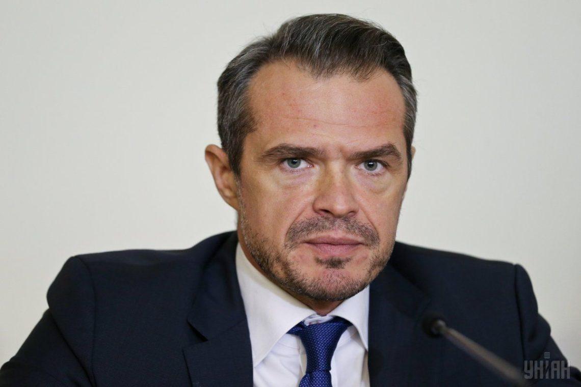 Мининфраструктуры согласовало 900-процентную надбавку к заработной плате руководителя «Укравтодора»