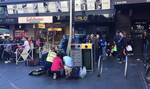 ВАвстралии автомобиль наехал натолпу людей: пострадало семь человек