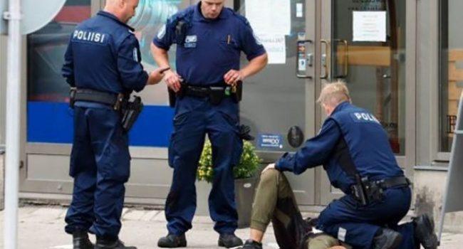 Финны почтили минутой молчания погибших при нападении вТурку