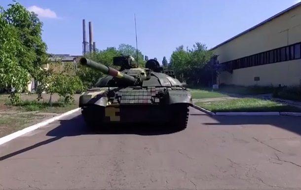 Порошенко похвастался модернизированным танком