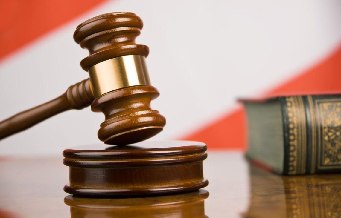 Судьи местного назначения и апелляционных инстанций получают зарплату от 16 и до 70 тысяч гривен в зависимости от разных факторов.