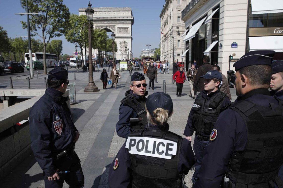 Франция: На женщин напал мужчина с молотком
