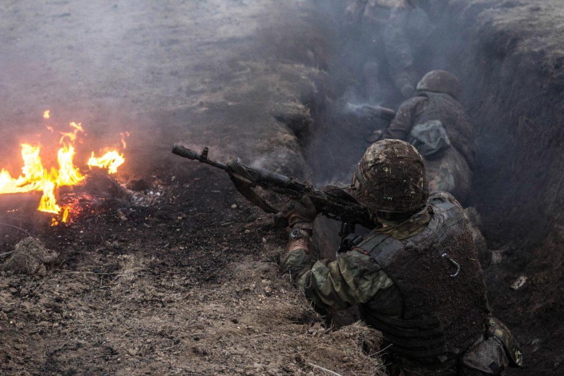 Штаб АТО: Двое украинских военных получили ранения наДонбассе