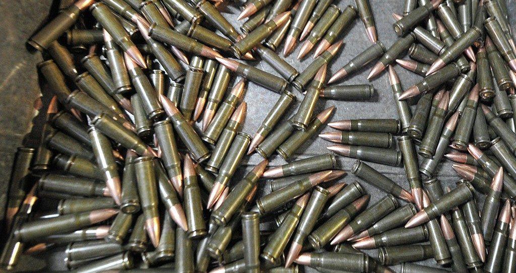 Близ Мариуполя прогремели взрывы наскладах боеприпасов