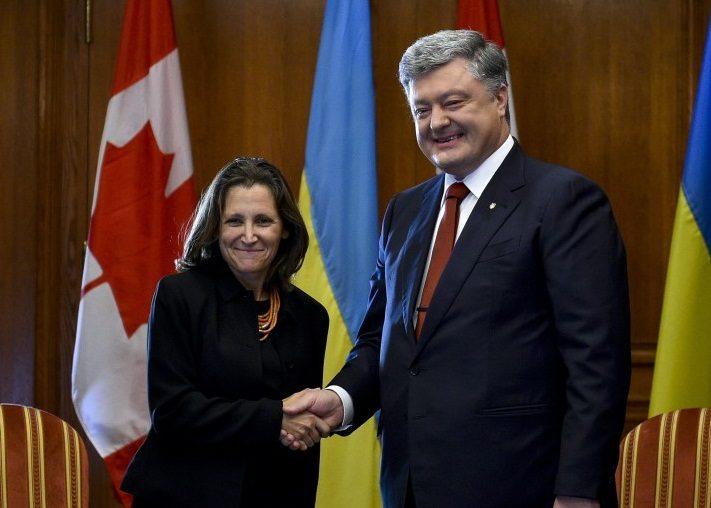 Порошенко обсудил идею миротворцев наДонбассе сМИД Канады