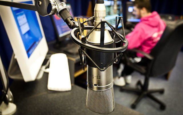Радиостанции Донетчины перевыполняют квоту наукраинские песни вэфире (Инфографика)