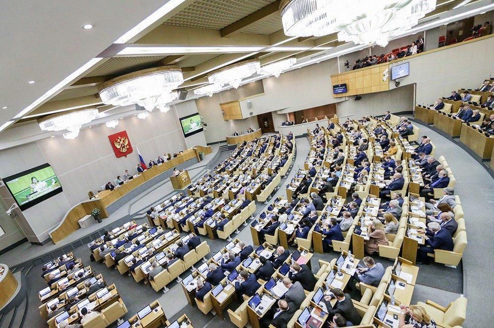 Володин пообещал законодательно описать отношения человека иробота