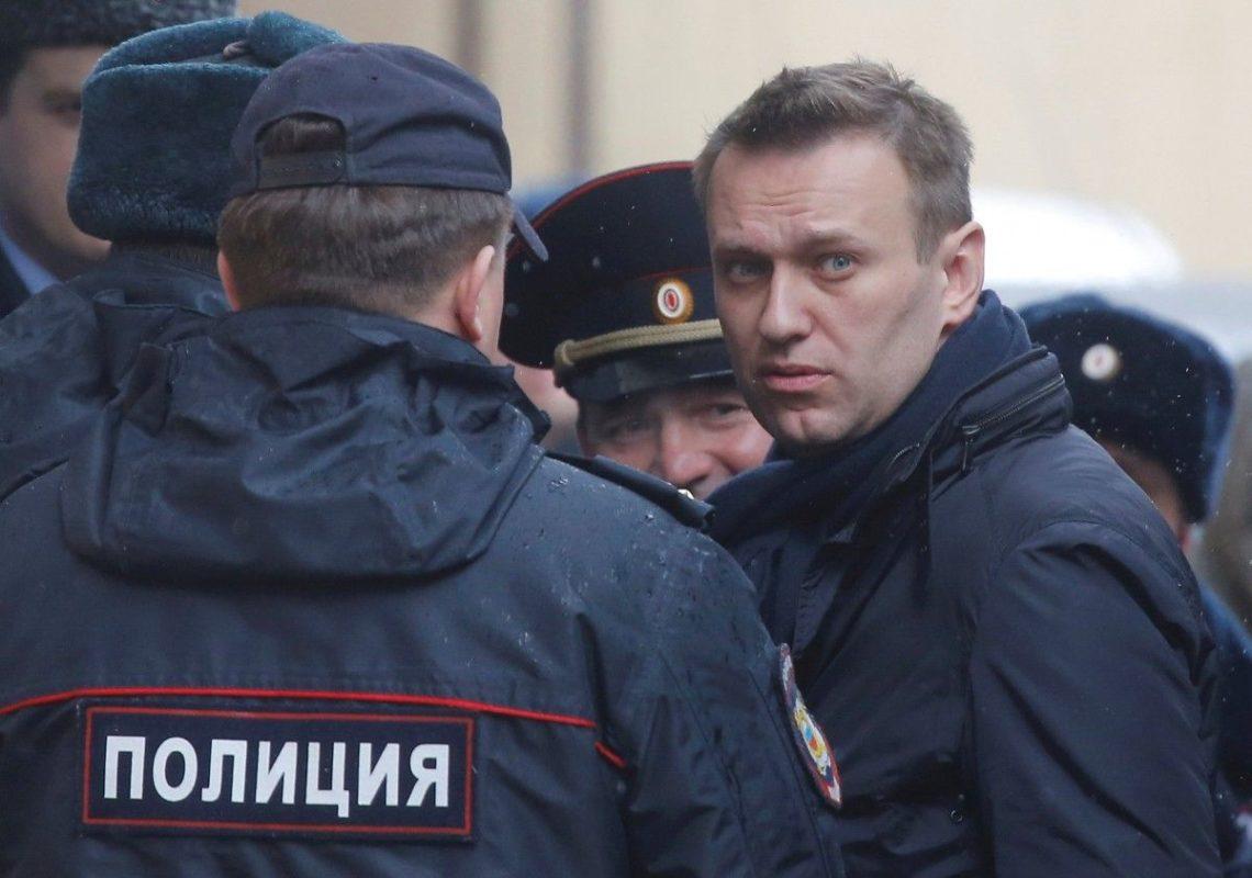 Навального задержали запризывы участвовать в неправомерных акциях