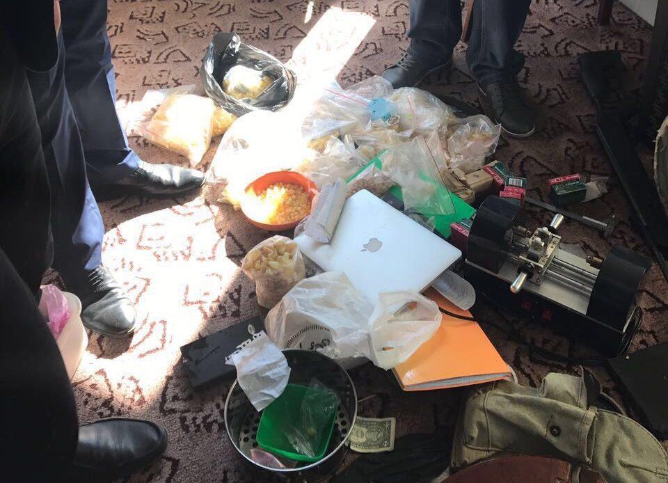 Янтарные разборки вЛуцке. Вовремя обыска «копатели» взяли взаложники полицейских