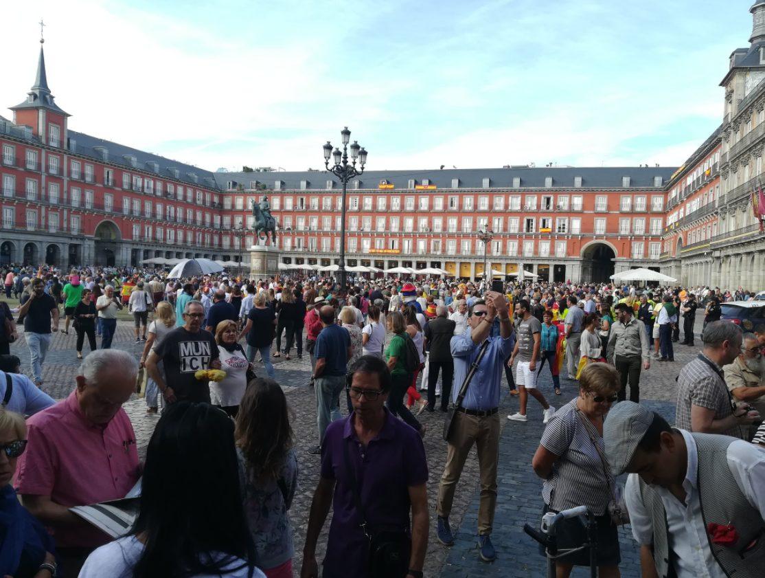 При столкновениях сполицией вКаталонии пострадали 38 человек