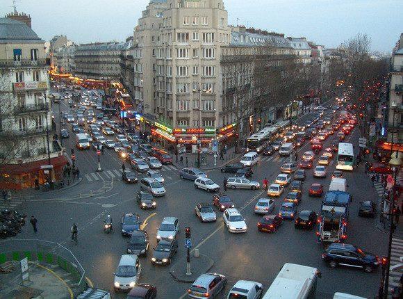 Власти Парижа к 2030-ому году освободят город от авто сДВС