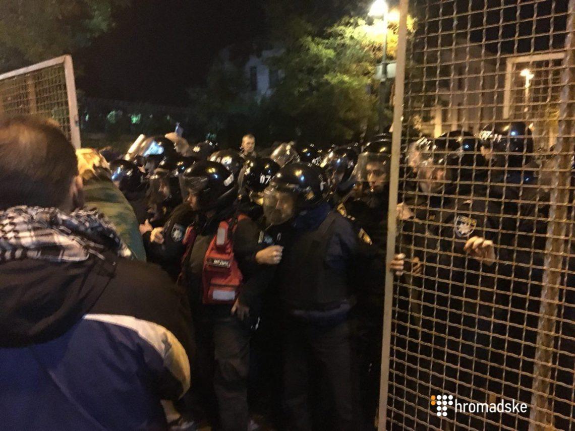 Семенченко пригрозил «атаками воблаго народа»— Протесты под Радой