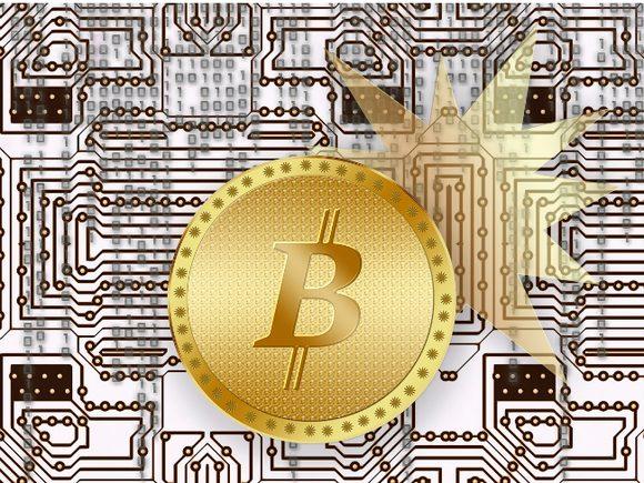 Новая криптовалюта Bitcoin Gold, появившаяся в результате хардфорка биткоина в первый же день торгов подешевела в три раза