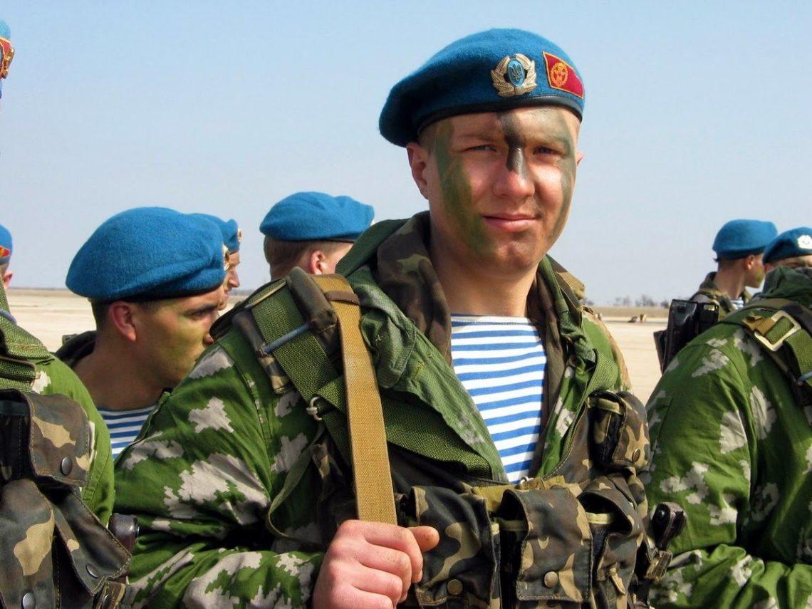 Українські десантники будуть носити натівські берети: опубліковані фото