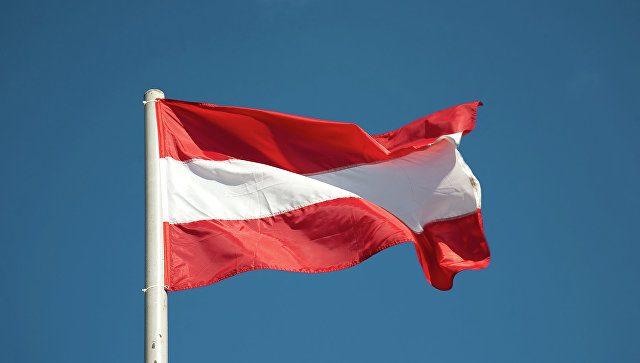 ВАвстрии лидер партии отказывается отмандата из-за обвинений вдомогательствах