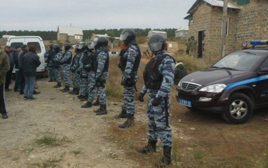 Воккупированном Крыму прошли обыски унескольких гражданских активистов
